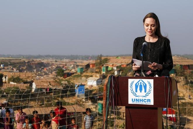 Angelina Jolie song ra sao sau gan 3 nam chia tay Brad Pitt? hinh anh 8
