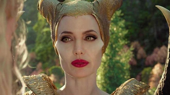 Angelina Jolie song ra sao sau gan 3 nam chia tay Brad Pitt? hinh anh 2