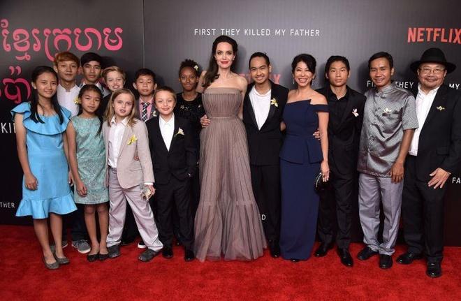 Angelina Jolie song ra sao sau gan 3 nam chia tay Brad Pitt? hinh anh 7