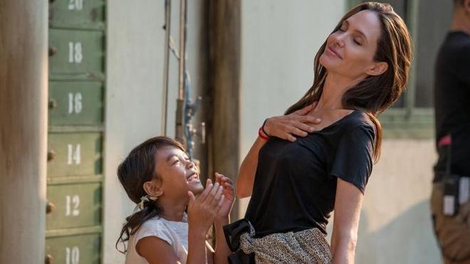 Angelina Jolie hau ly hon anh 6