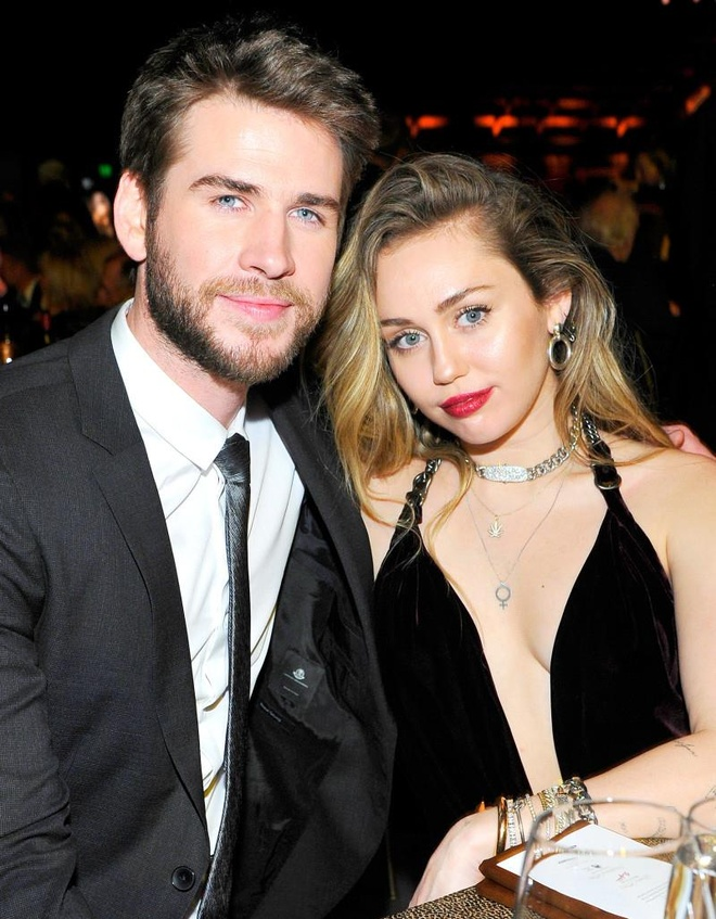 Miley Cyrus chia tay anh 1