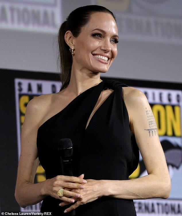 Angelina Jolie o comic con 2019 anh 2