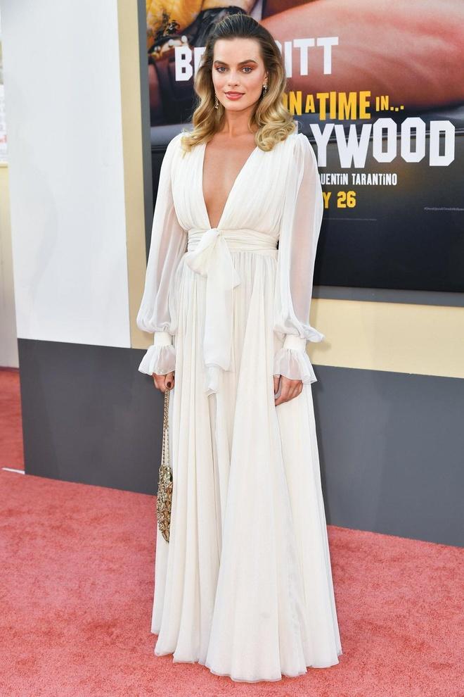 Brad Pitt, DiCaprio va 'qua bom sex' Margot Robbie hoi ngo o tham do hinh anh 5