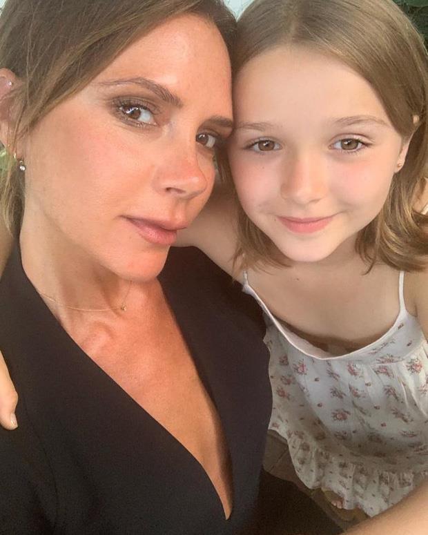 Con gái 8 tuổi nhà Beckham ngày càng đáng yêu