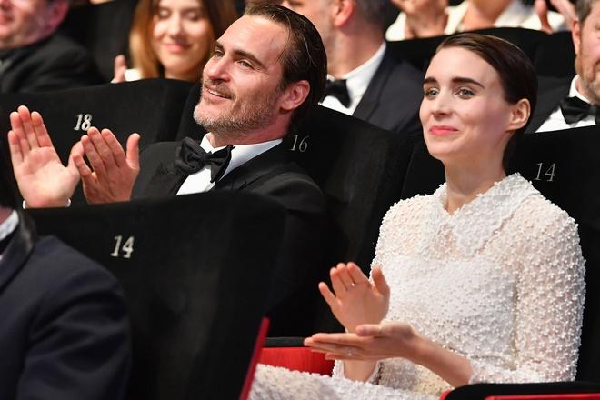 Chuyen tinh dep doi cua 'Joker' Joaquin Phoenix va tieu thu giau co hinh anh 2