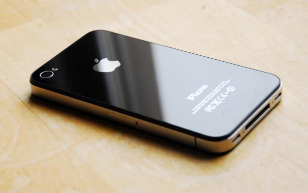 Pin iPhone 4 sut nhanh hinh anh
