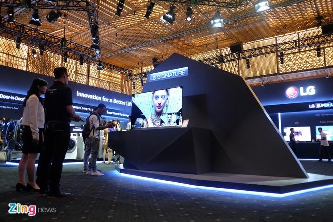 LG ra mat Signature tai Viet Nam, chua cong bo gia G5 hinh anh 1