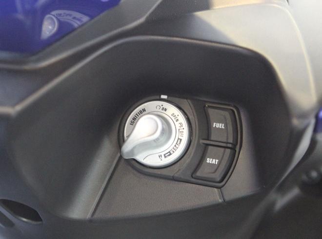 Chi tiet Yamaha NVX - xe tay ga thay the Nouvo hinh anh 10