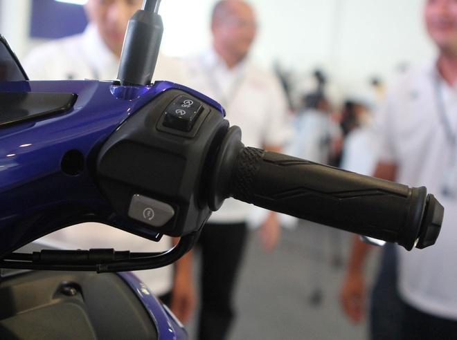 Chi tiet Yamaha NVX - xe tay ga thay the Nouvo hinh anh 7