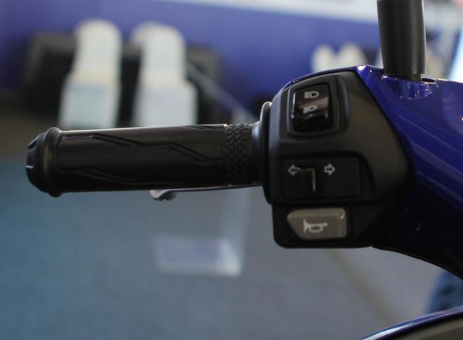 Chi tiet Yamaha NVX - xe tay ga thay the Nouvo hinh anh 8