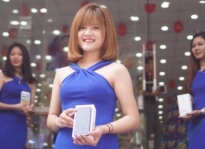 Samsung ban ra Galaxy A 2017, lap ky luc dat hang truoc hinh anh