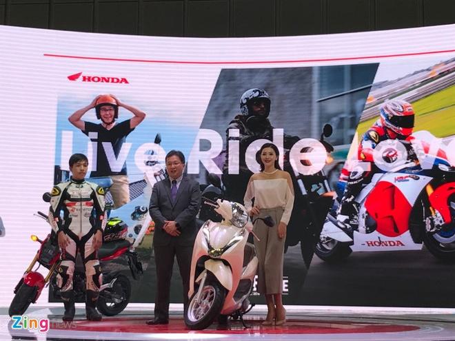 VMCS 2017 khai mac: Yamaha Glorious, Honda Lead trinh lang hinh anh 4