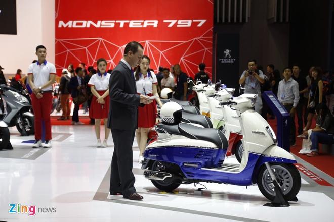 VMCS 2017 khai mac: Yamaha Glorious, Honda Lead trinh lang hinh anh 31