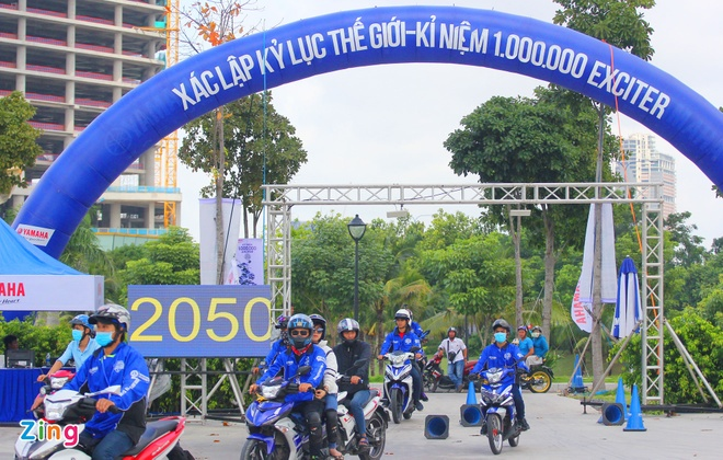 Yamaha Viet Nam lap 2 ky luc the gioi voi xe Exciter hinh anh 1