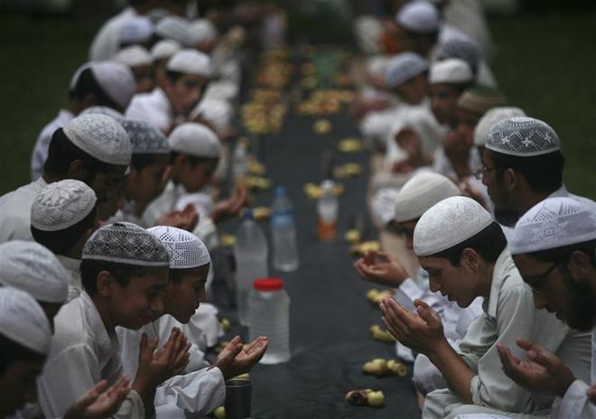 10 nguoi chet o Bangladesh trong vu giam dap truoc thang le Ramadan hinh anh