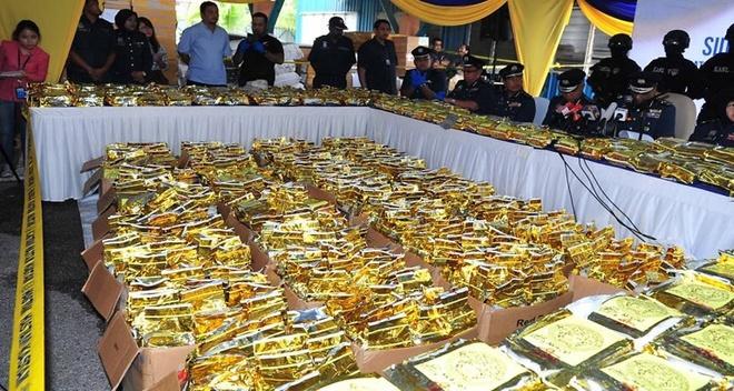 Malaysia tich thu so ma tuy da ky luc giau trong container tra hinh anh