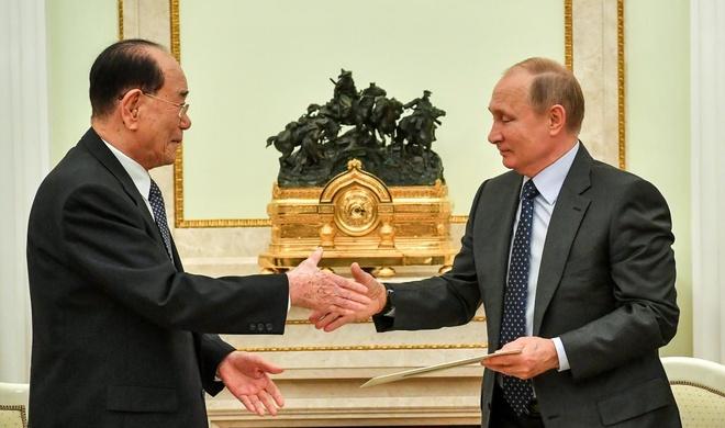 Ong Kim Jong Un gui thu cho Tong thong Putin hinh anh 1