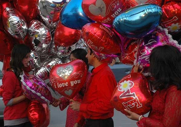 Pakistan keu goi nguoi dan tay chay ngay Valentine hinh anh