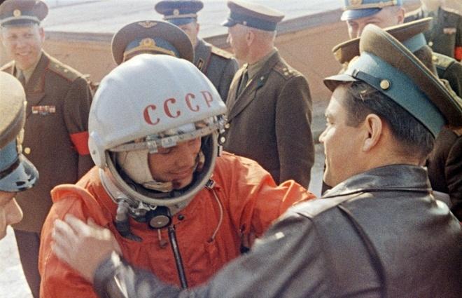 The gioi tuong nho 55 nam Yuri Gagarin bay vao vu tru hinh anh 1