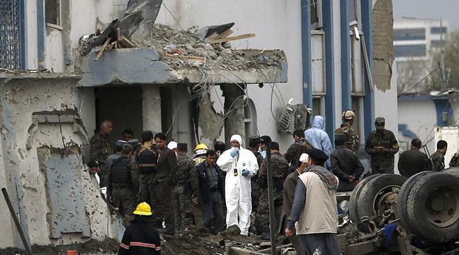 Kabul lai rung chuyen vi bom hinh anh