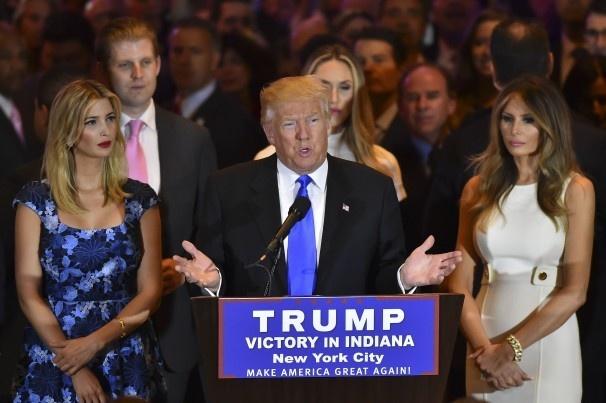 Donald Trump khien moi du doan tro nen ngo ngan hinh anh 1