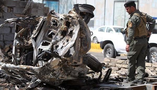 IS danh bom xe giua cho o Iraq, 64 nguoi chet hinh anh