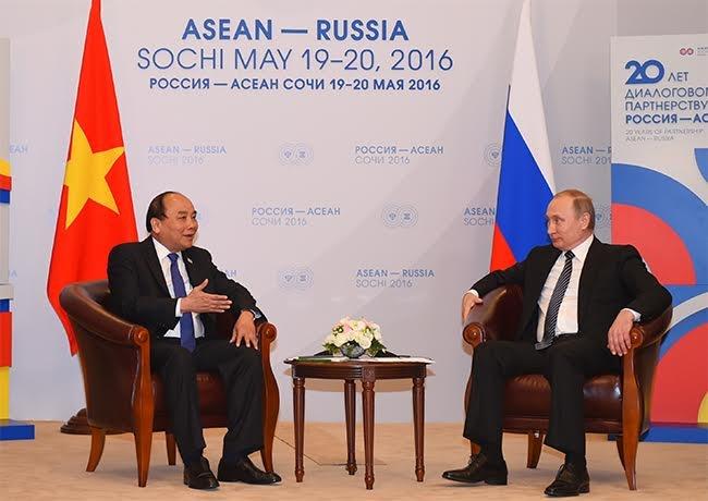 Ong Putin: Tranh chap Bien Dong can giai quyet bang luat hinh anh 1