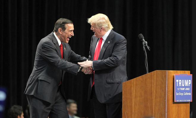 Hon 1.000 nguoi phan doi Trump gan bien gioi Mexico hinh anh 2