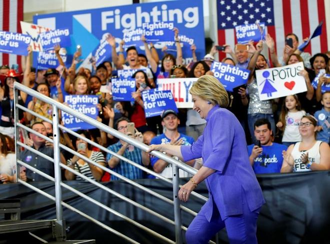 Clinton cung ran hon voi Trung Quoc anh 1