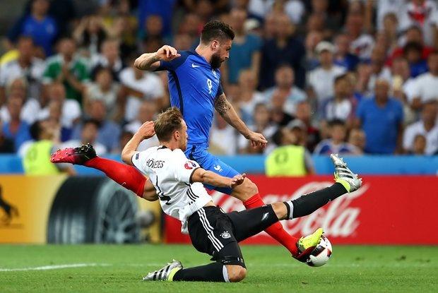 Nike danh bai Adidas tren san co Euro 2016 hinh anh 1