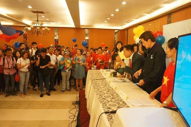 Nguoi VN o Philippines hoan nghenh phan quyet Toa Trong tai hinh anh