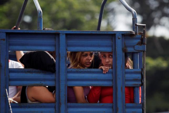 El Salvador bat hang loat toi pham anh 7