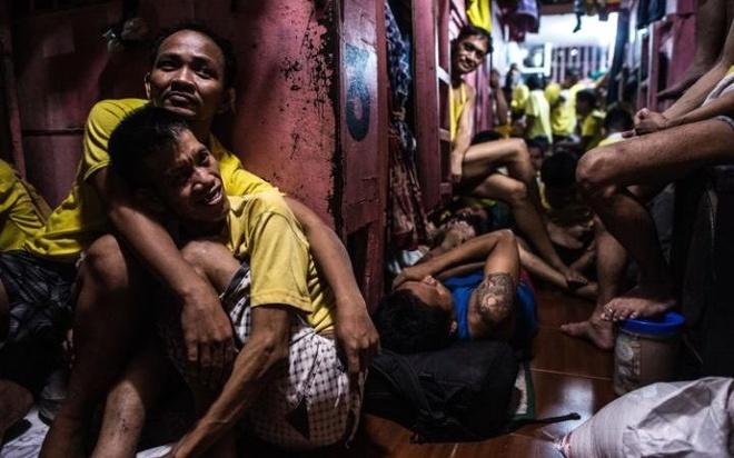 Cuoc song khon kho trong nha tu chat choi o Philippines hinh anh 7