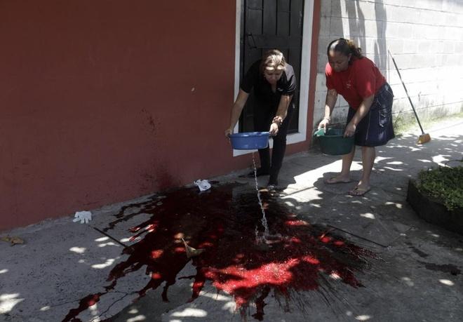 mau va quan tai o El Salvador anh 1