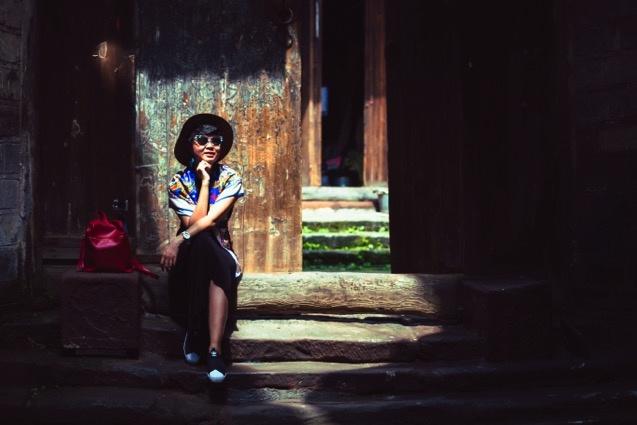 Buc tranh doi lap dem - ngay o Phuong Hoang co tran hinh anh 15