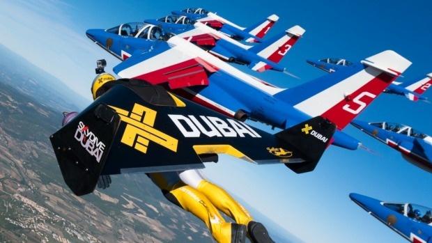 3 Jetmen bay cung 8 may bay anh 1