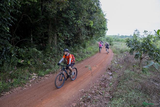 Jungle biking - thach thuc giua rung sau hinh anh 11