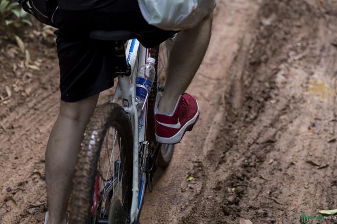 Jungle biking - thach thuc giua rung sau hinh anh 15