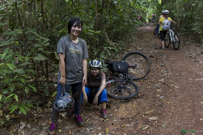 Jungle biking - thach thuc giua rung sau hinh anh 16