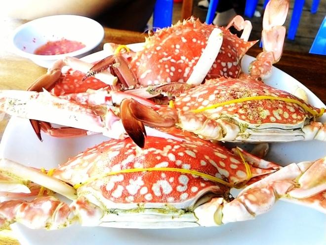 Thuong thuc hai san o lang chai Ham Ninh hinh anh 3
