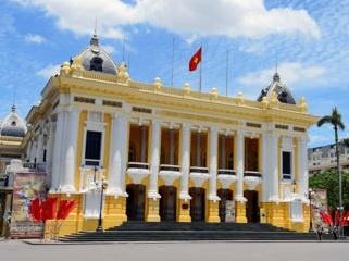 Khao sat tour Nha hat Lon: Chua nen ky vong qua hinh anh