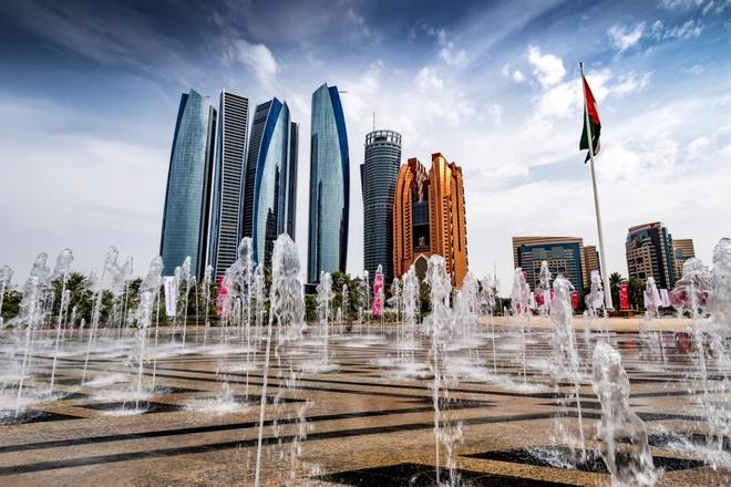 Nhung dieu khien Abu Dhabi tuyet hon Dubai trong mat du khach hinh anh