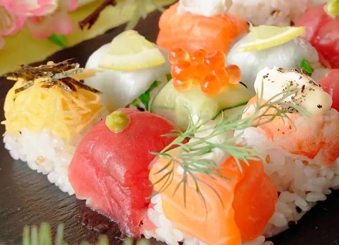 Huong dan lam sushi hinh khoi cuc don gian hinh anh