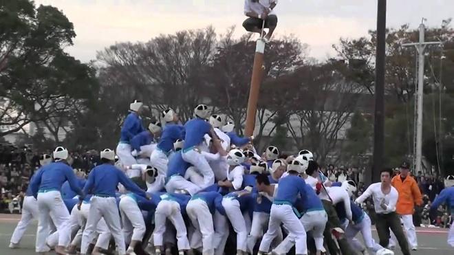 Botaoshi - môn thể thao hỗn loạn và nguy hiểm ở Nhật Bản