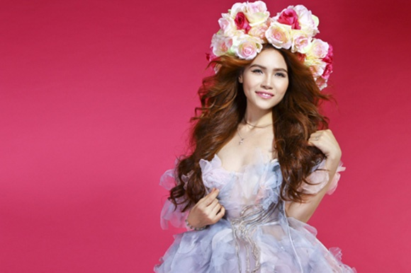 Sao Viet cover nhac Kpop: Nguoi duoc khen, ke phai hung da hinh anh 2 Diễm Hương The Voice cover hit đỉnh của 2NE1.