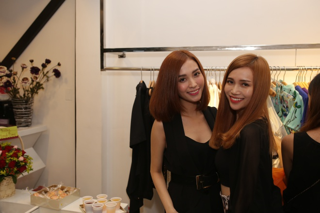 Ban gai cu Tran Thanh tu tin dien mot khong quan hinh anh 2
