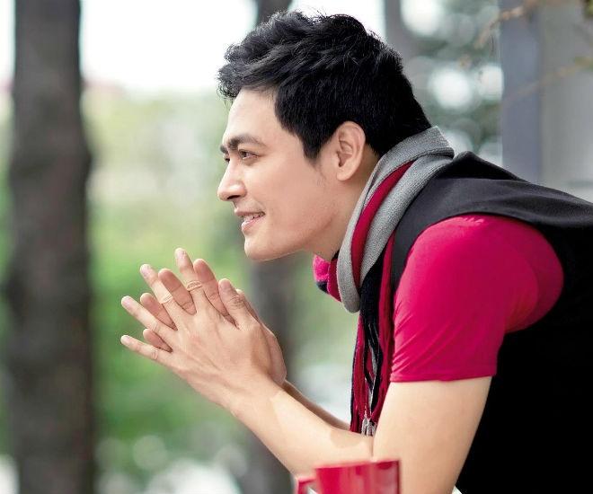Vi sao MC Phan Anh khong thoai mai khoe vo? hinh anh
