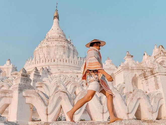 Chuyen tinh lang man phia sau ngoi chua trang o Myanmar hinh anh