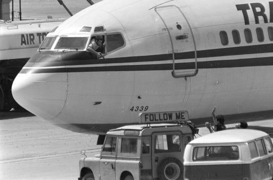khong tac,  cuop may bay,  1985,  truy na,  bat giu,  Hy Lap anh 1