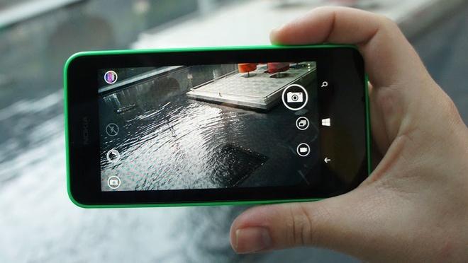 Meo chup anh dep voi Lumia 630 hinh anh 1 Bầu trời xám xịt chẳng làm khó Lumia 630 nếu chủ nhân của chiếc smartphone này chọn được góc chụp đón sáng.